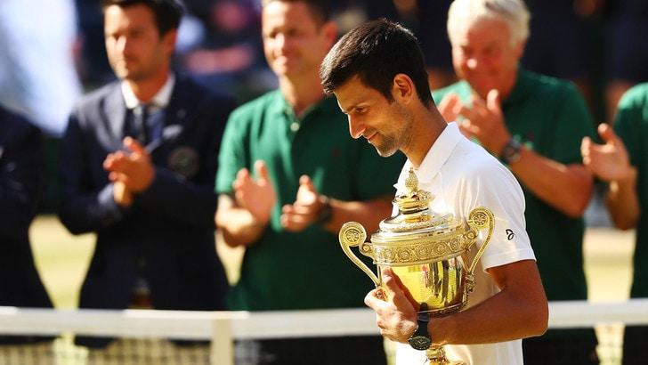 Wimbledon, favoloso Djokovic: trionfa e cala il poker sull'erba