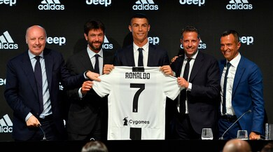 Juventus, Ronaldo si presenta: «Qui per scrivere la storia»