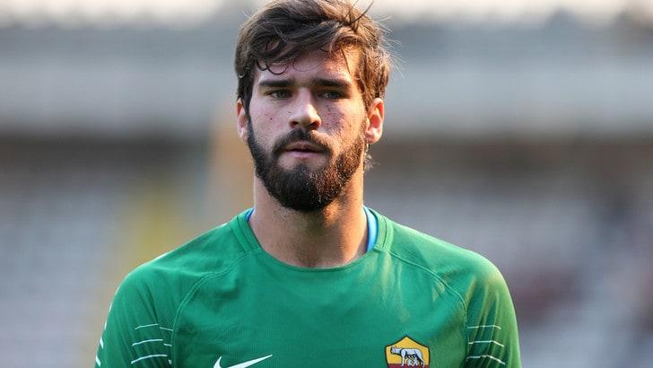 Calciomercato Roma, Alisson lascia il club e vola a Liverpool