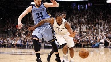 Nba, i Lakers vogliono Leonard: dimezzata la quota trionfo