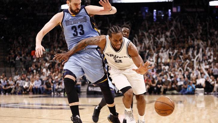 NBA, Leonard ai Raptors in cambio di DeRozan