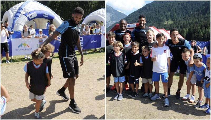 La Lazio regala sorrisi: partitella 8 contro 8 con alcuni piccoli fans