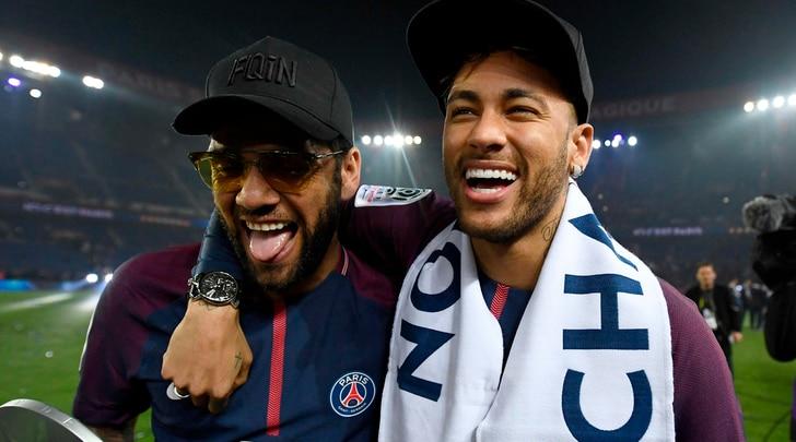 Neymar: «Resto al Psg, che onore giocare con Buffon»