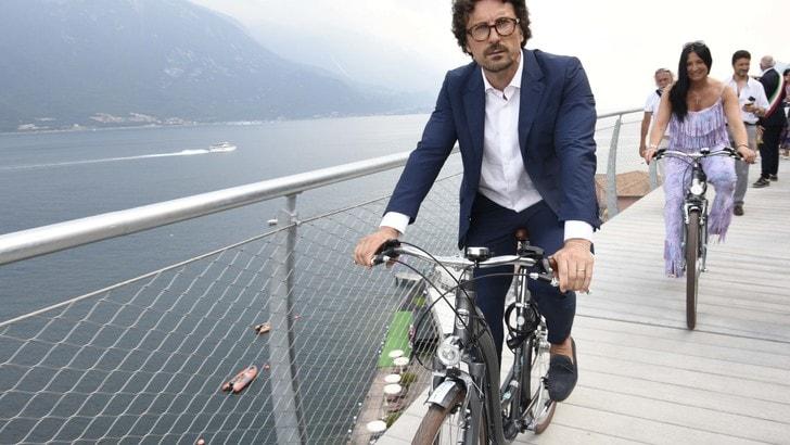 """Di Maio e Toninelli: """"Investiremo su elettrico e mobilità sostenibile"""""""