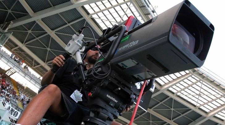 Serie A e B, diritti tv: vicino l'accordo Perform-Sky per accesso a Dazn