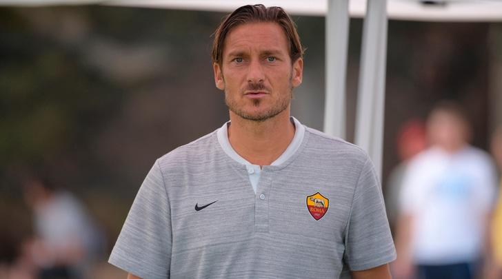 Totti: «Roma-Parma all'ultima giornata come nel 2001? Spero possa ripetersi»