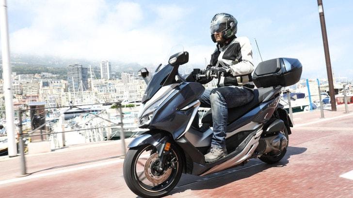 Honda Forza 300 La Prova Su Strada Tuttosport