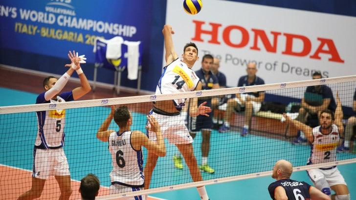 Volley: Blengini mischia le carte, l'Italia si inchina all'Olanda al quinto set
