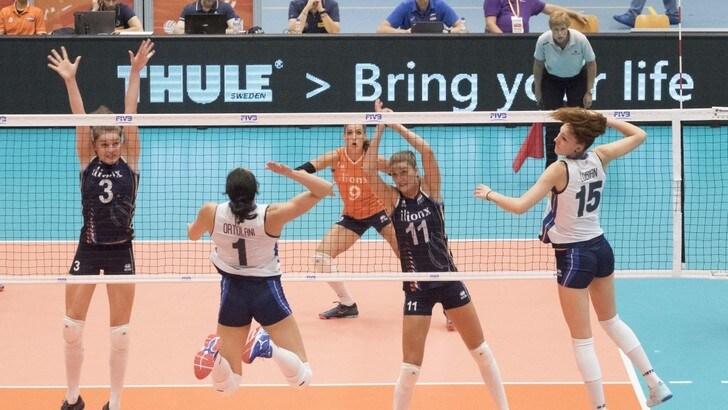 Volley: l' Italia cede all'Olanda nella Rabobank Super Series