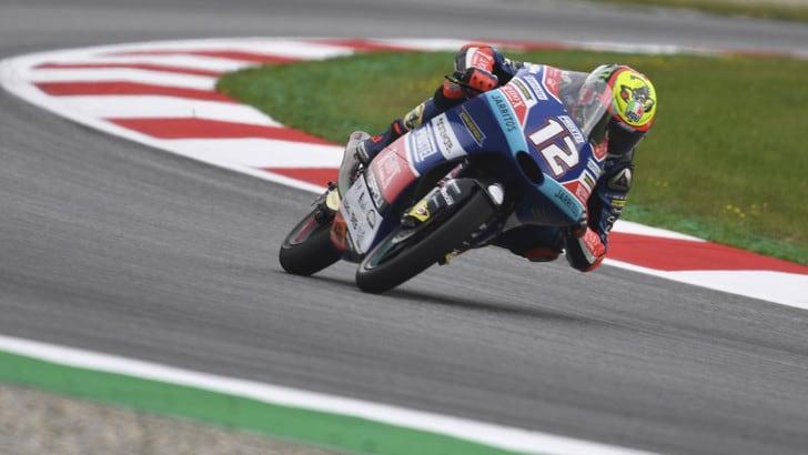 Moto3 Austria, Bezzecchi in pole: è la prima in carriera