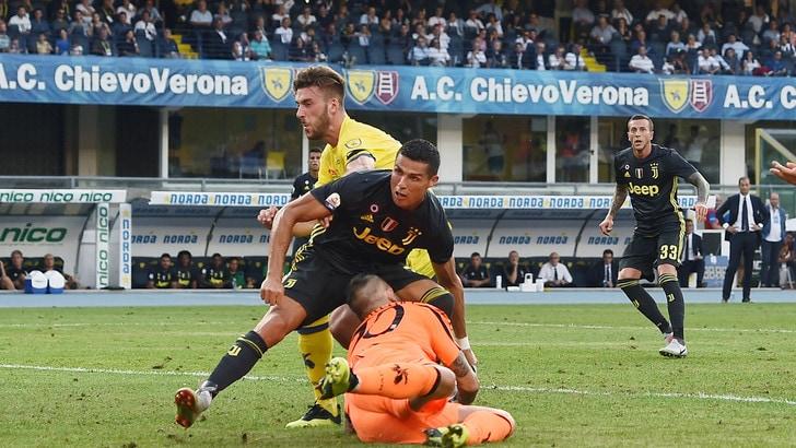 Serie A Chievo, Sorrentino: naso rotto dopo lo scontro con Ronaldo