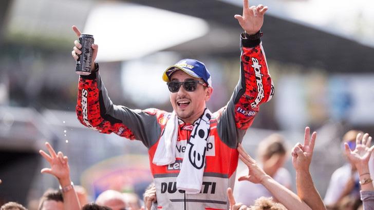 MotoGp Ducati, Lorenzo vola nei test di Misano e sogna il titolo