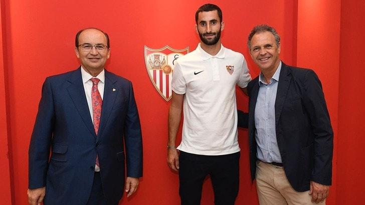 Calciomercato Roma, ufficiale: Gonalons girato al Siviglia