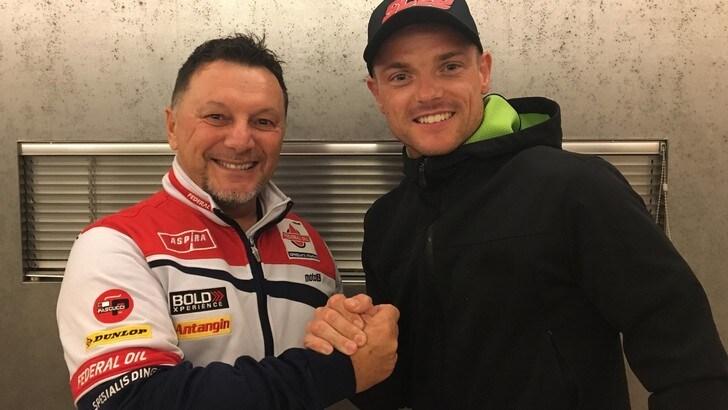 Moto2, Gresini Racing ufficializza rientro in squadra di Lowes