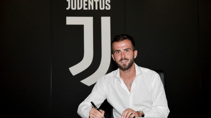 Juventus, Pjanic rinnova fino al 2023: ora è ufficiale