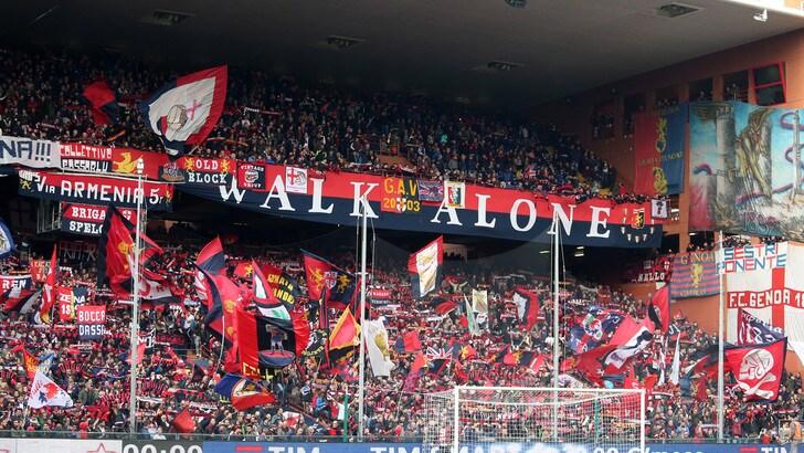 Serie A Genoa, crollo ponte: 43 minuti di silenzio da parte dei tifosi rossoblu