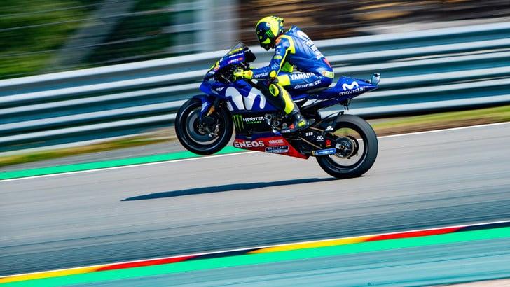 MotoGp Misano, Rossi ottimista dopo le prime libere: «Siamo migliorati»