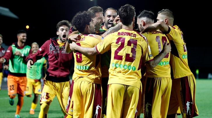 Serie B, Foggia e Cittadella a valanga. Ascoli-Cosenza finisce 1-1, pari tra Verona e Padova