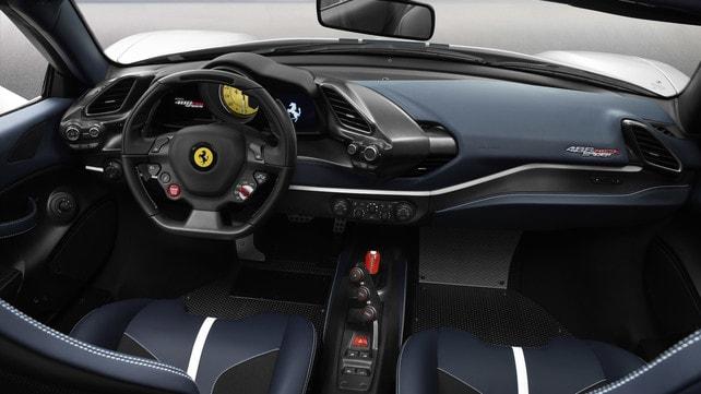 Ferrari 488 Pista Spider: foto