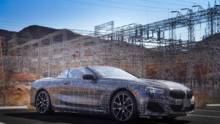 BMW Serie 8 Cabrio, test nella Death Valley: debutto nel 2019