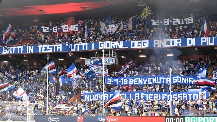 Serie A Sampdoria, appesi vicino al Ferraris ombrelli con i colori del club