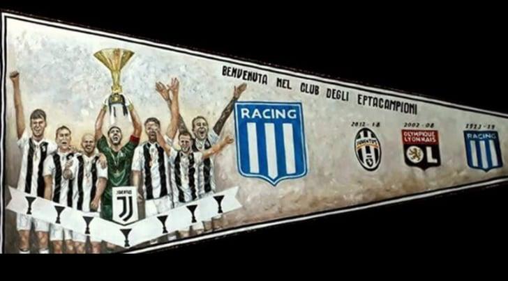 L'omaggio del Racing alla Juventus eptacampione