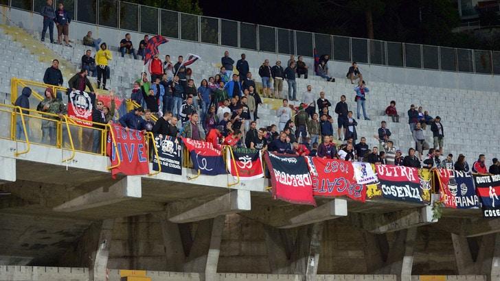 Serie B ufficiale: non si gioca Cosenza-Verona