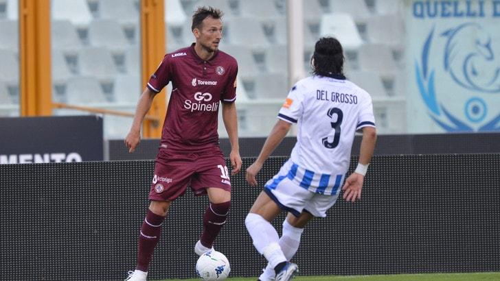 Serie B Pescara-Livorno, doppio Cocco dagli undici metri. Termina 2-1