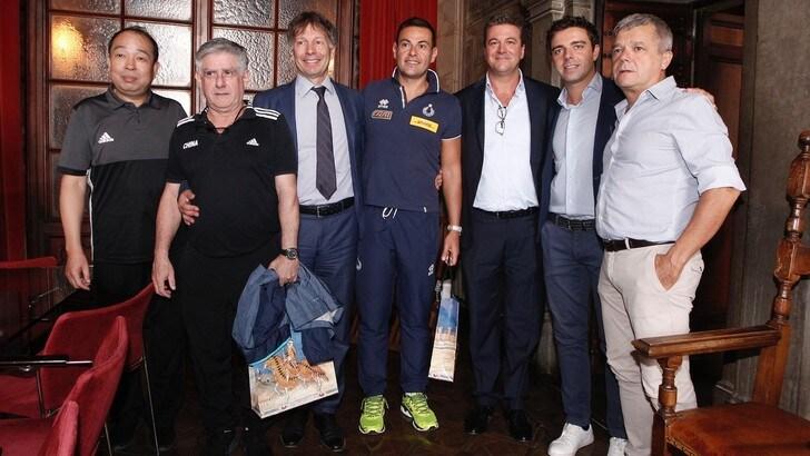 Volley: il Sindaco di Siena ha ricevuto Italia e Cina