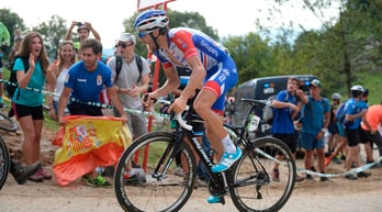 Vuelta: 15ª tappa a Pinot. Yates ancora in maglia rossa
