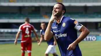 Serie B, Verona-Carpi 4-1: Pazzini ne fa tre. Salernitana-Padova 3-0