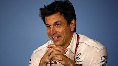 F1 Singapore, Wolff: «Mancano ancora sei gare, teniamo i piedi per terra»