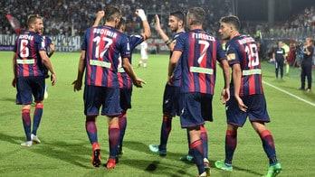 Serie B Livorno-Crotone, probabili formazioni e tempo reale alle 21. Dove vederla in tv