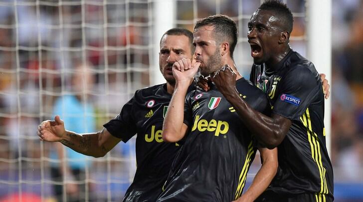 Champions League, Valencia-Juventus 0-2: doppietta di Pjanic su rigore. Rosso a Ronaldo