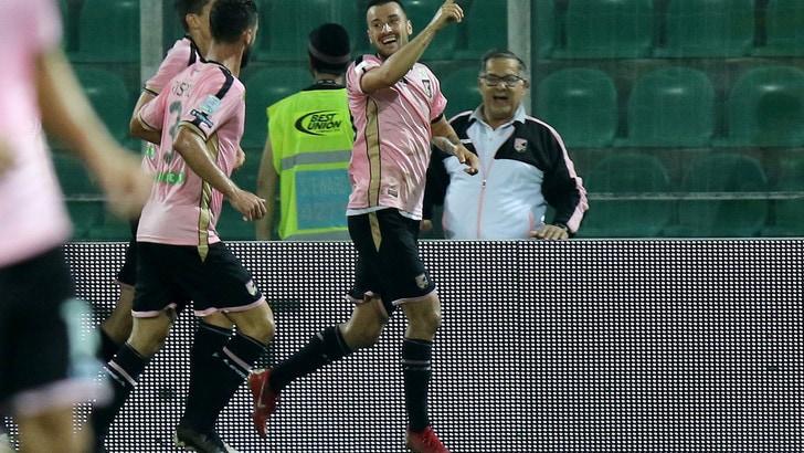 Serie B Palermo-Crotone 1-0. Nestorovski fa cantare il Barbera
