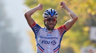 Giro di Lombardia, a Como trionfa Pinot davanti a Nibali