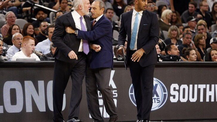 NBA: Jokic stende i Clippers, Knicks e Spurs ok