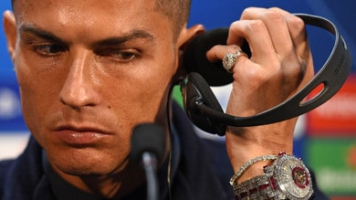 Juventus, quanto costa l'orologio di Ronaldo con 424 diamanti?