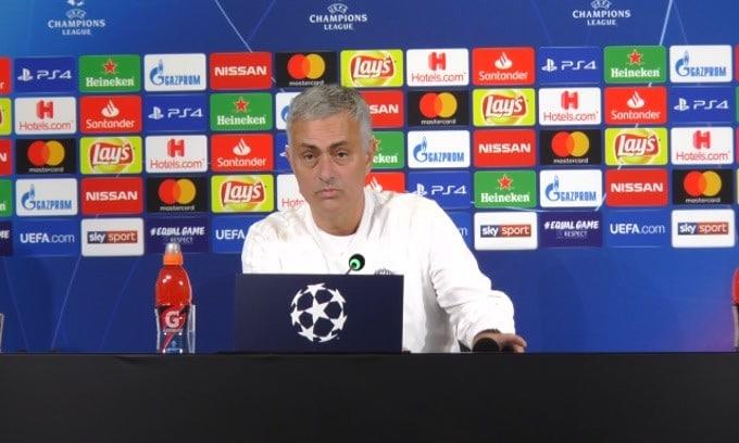 """Mourinho: """"Tre dita? I tifosi della Juve mi hanno insultato"""""""