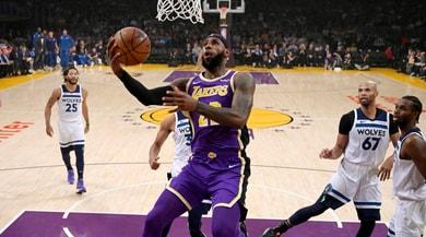 NBA, LeBron James e Kuzma show e i Lakers battono i Timberwolves