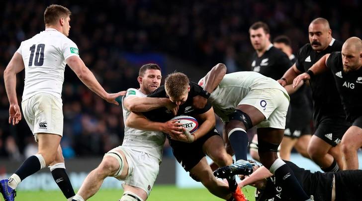 Rugby, gli All Blacks vincono a Twickenham contro l'Inghilterra