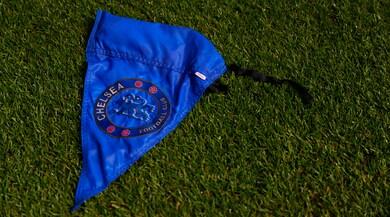 Guardian: «Violazioni sulla firma di minori: inchiesta su 5 squadre di Premier»