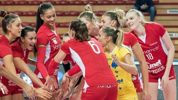 Volley: A1 Femminile, Busto espugna Chieri ed è in testa alla classifica