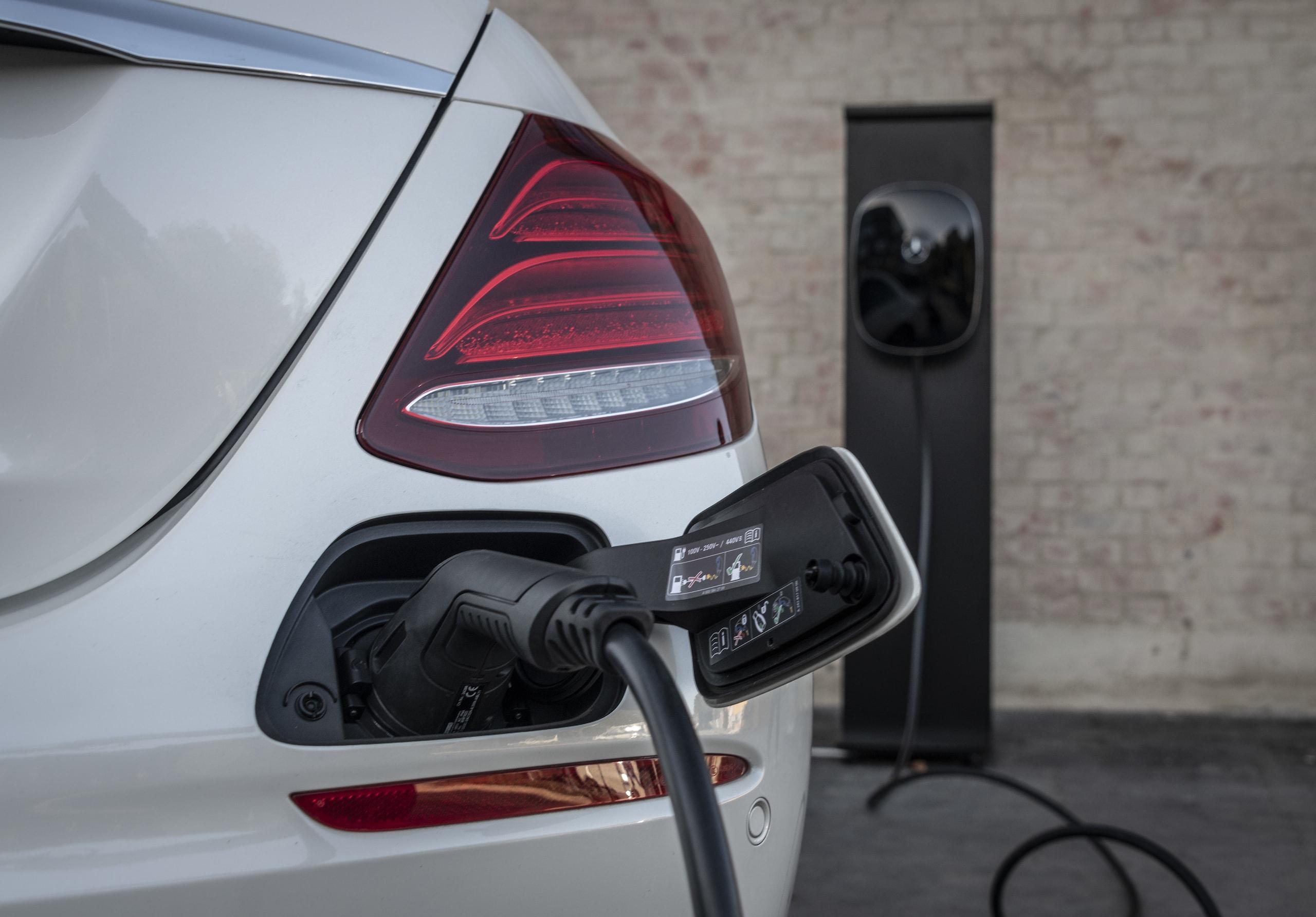 Mercedes Classe E 300 de EQ Power: foto
