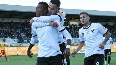 Serie B, Spezia-Benevento 3-1: al Picco è Okereke show