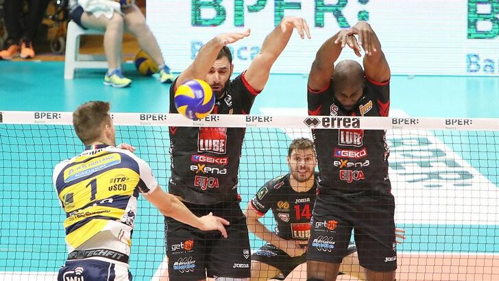 Volley: Superlega, il big match di Modena lo vince la Lube
