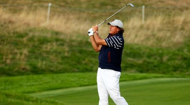 """The match"", Mickelson batte Woods nello show di Las vegas"