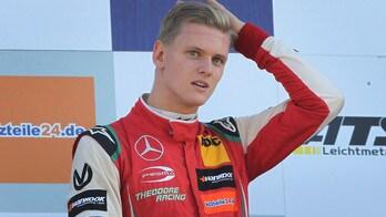 F2, Mick Schumacher: «Non mi spaventa il paragone con mio padre»