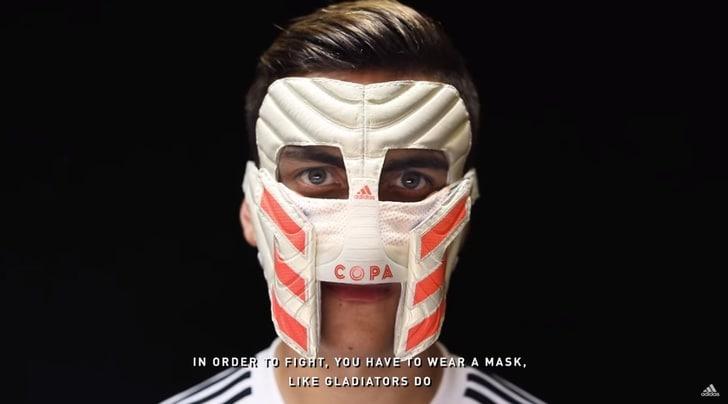 Dybala dietro la maschera: «Juventus, sono il tuo gladiatore»