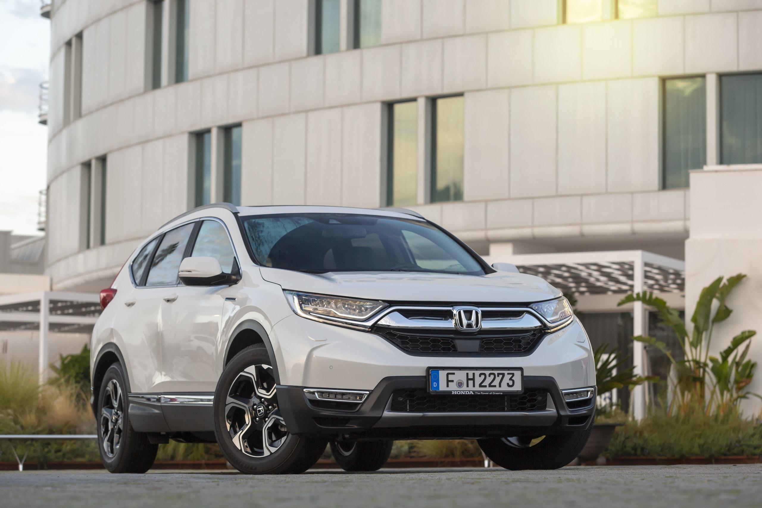 Prova comparata Nuova Honda CR-V Hybrid VS Volvo HC60 T8 Hybrid